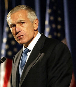 Gen. Wesley Clark: US Can Stop Cyber Attacks - top government contractors - best government contracting event