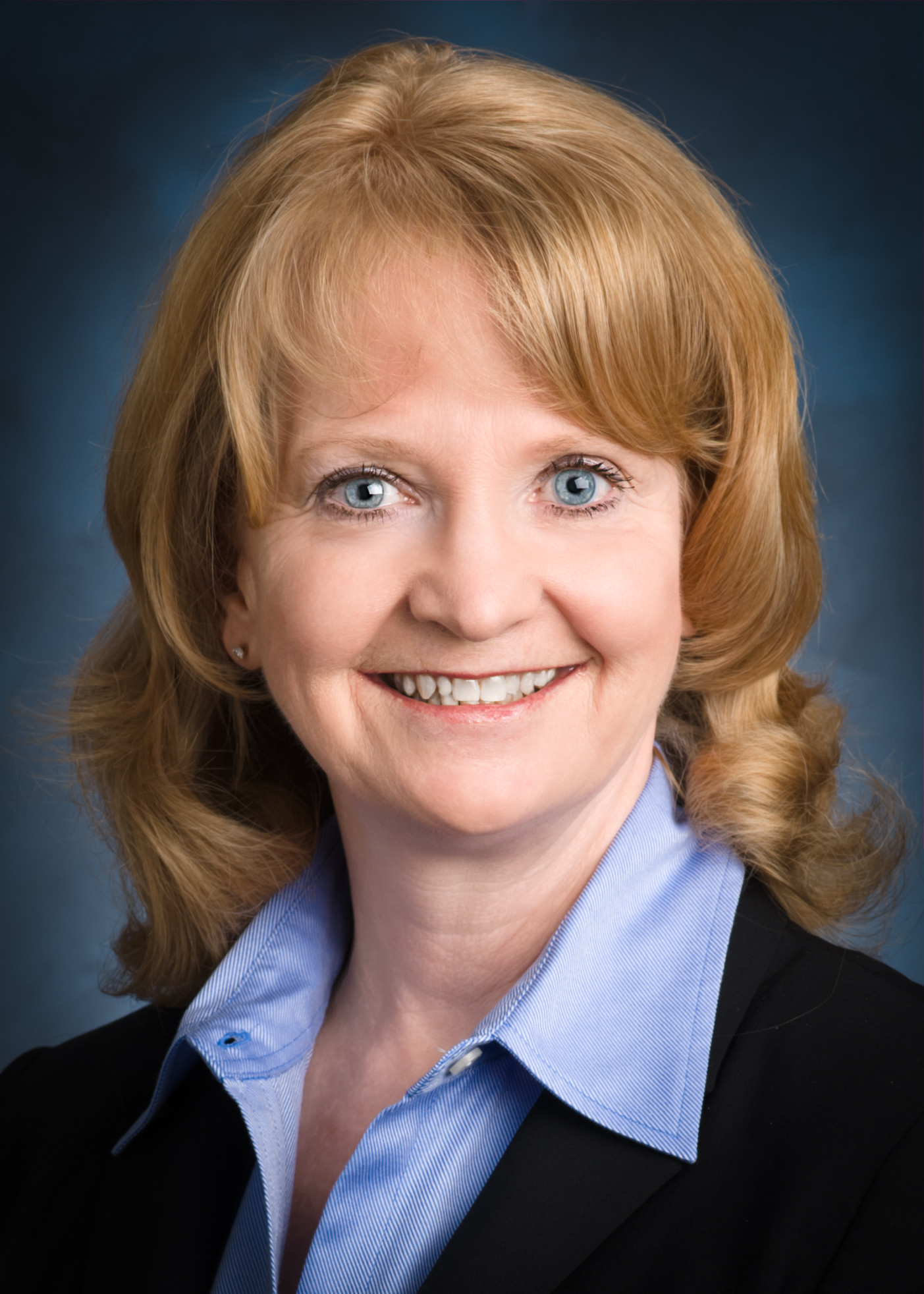 Executive Spotlight: Kay Curling, Salient SVP, Chief HR Officer - top government contractors - best government contracting event