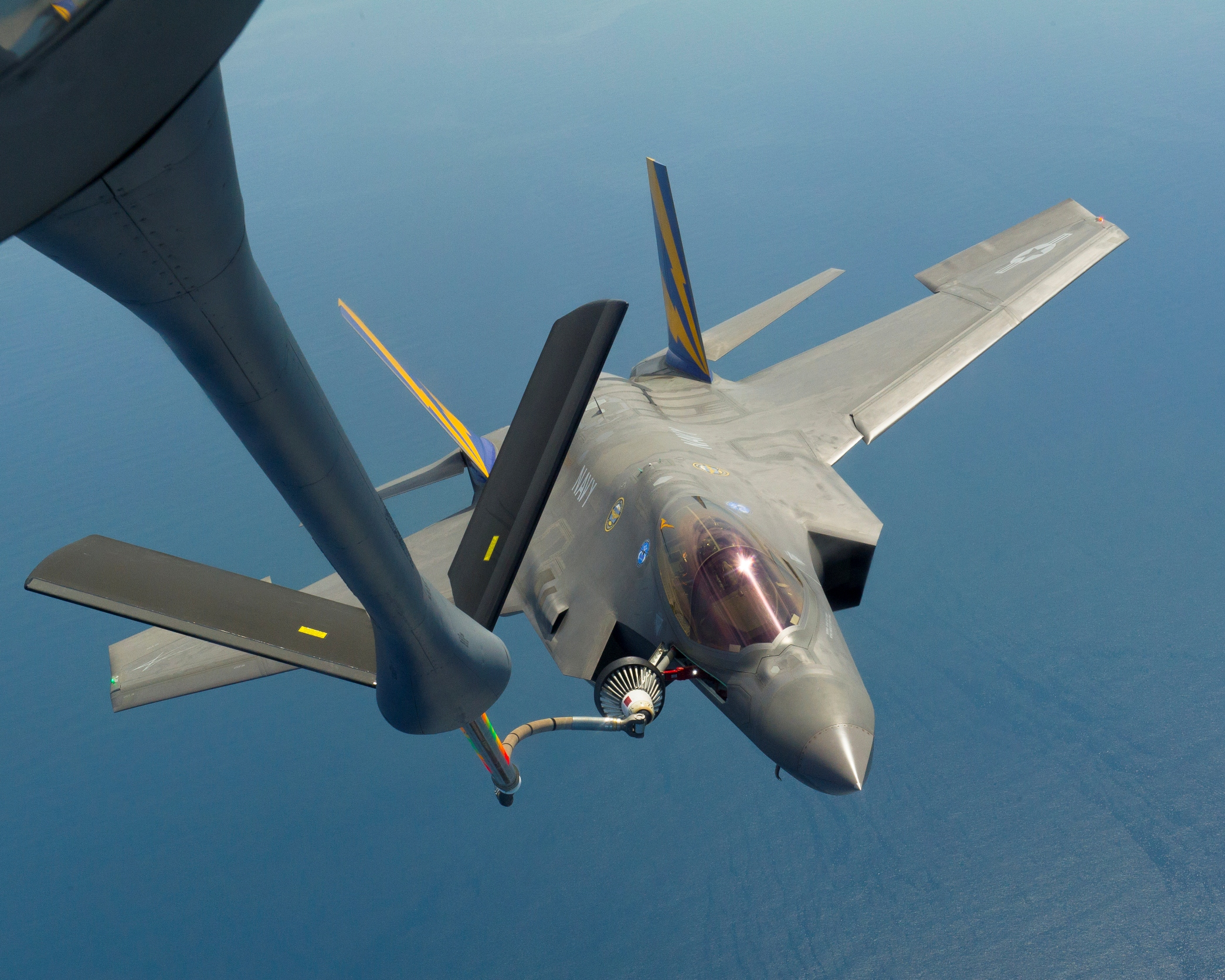 Lockheed F-35 Air Force Variant Undergoes Aerial Refueling Test - top government contractors - best government contracting event