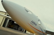 Airbus, Perlan Project Team Move Engineless Aircraft to New Hangar in Nevada