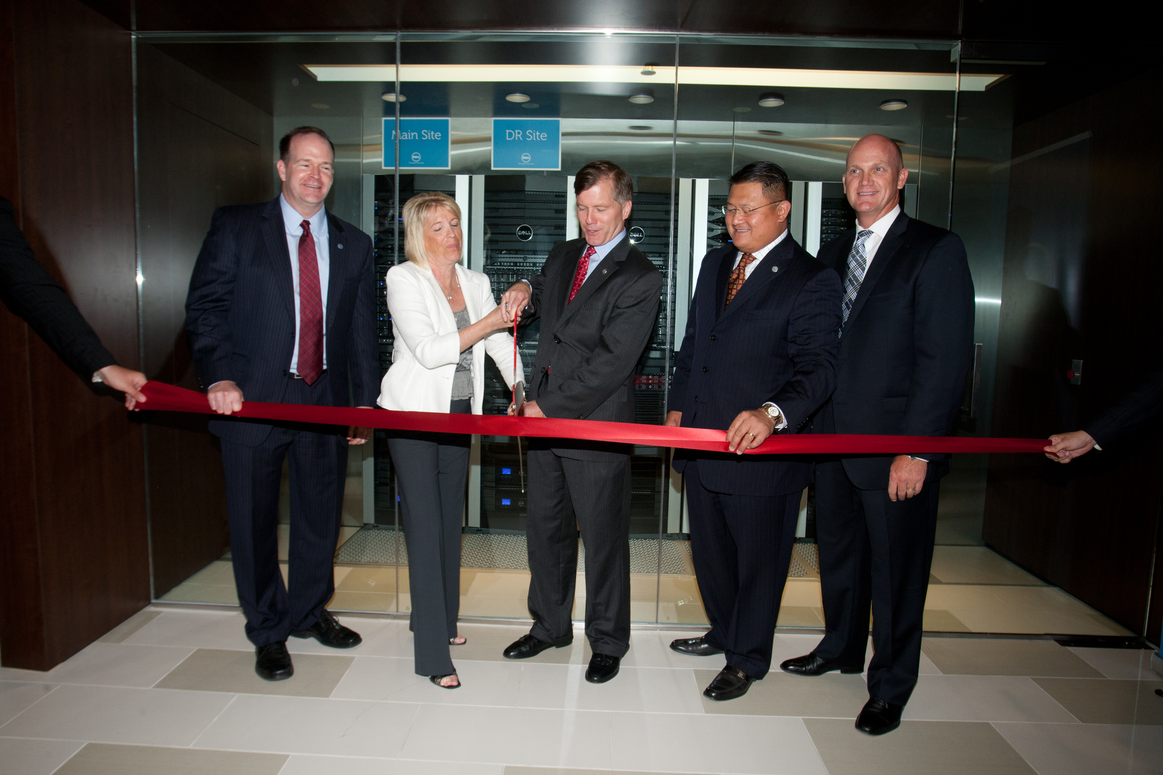 Dell Opens Herndon Solution Center - top government contractors - best government contracting event